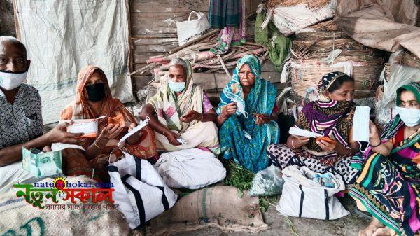 কাউখালীতে ভালো নেই পল্লীর বেদেরা, পাশে দাঁড়ালেন খসরু