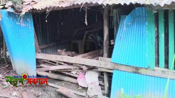 রামপালে বাড়ি দখলের চেষ্টা : ভাংচুর-লুটপাট