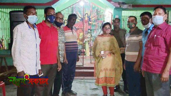 তেরখাদায় উপজেলা নির্বাহী কর্মকর্তার পূজামন্ডপ পরিদর্শন